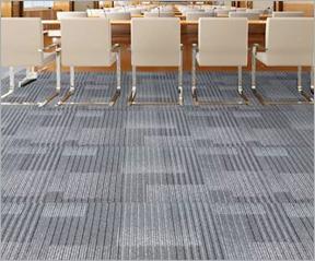 长沙办公室装修设计一站式之更换地板 / 地毯阶段