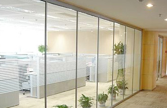 长沙办公室装修公司在装修设计报价时对办公室整装中墙面的处理过程与装修材料软装配饰一站式装修设计施工