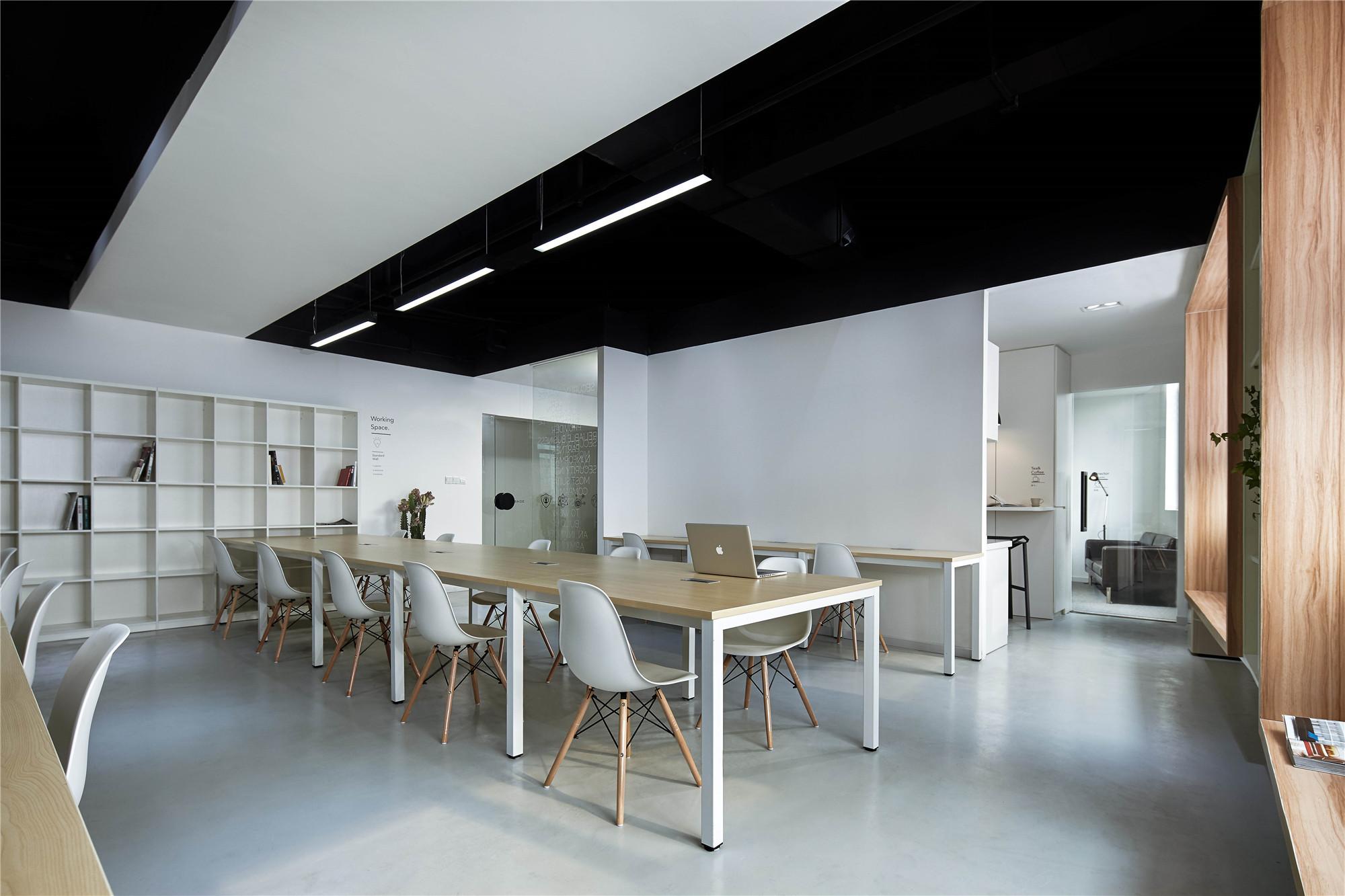 长沙装修公司浩安公装办公空间装修设计案例黑白极简风公司装修格窗设计