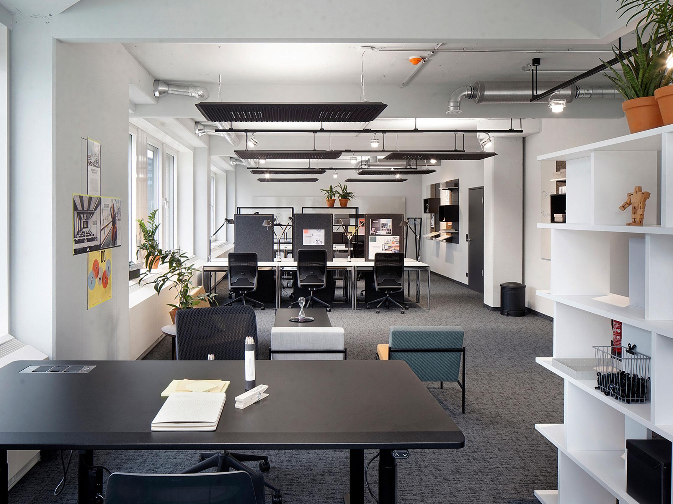 湖南浩安公装公司装修设计资讯知识浩安公装:办公室装修设计色彩的的季节感