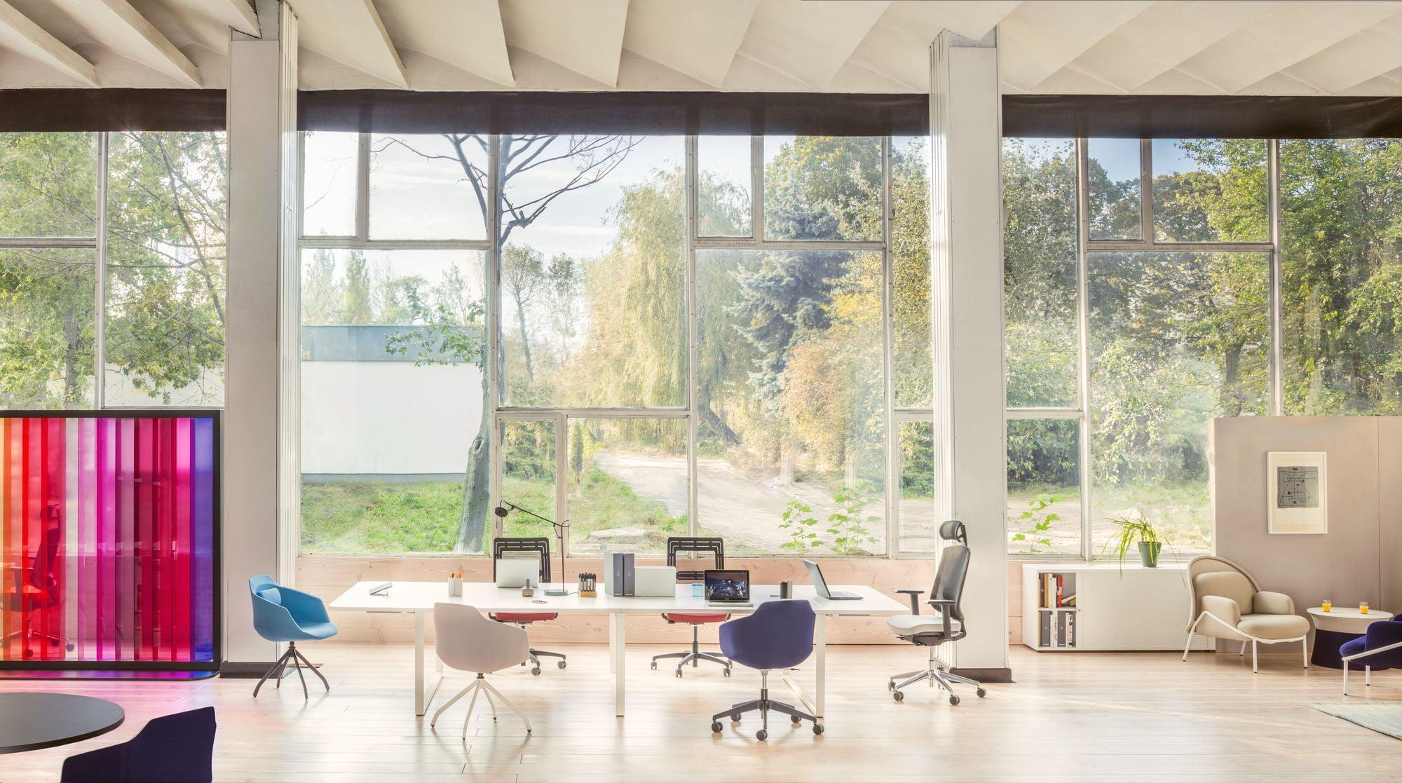 湖南浩安公装公司装修设计资讯知识大型办公室装修设计空间色彩与材质的运用