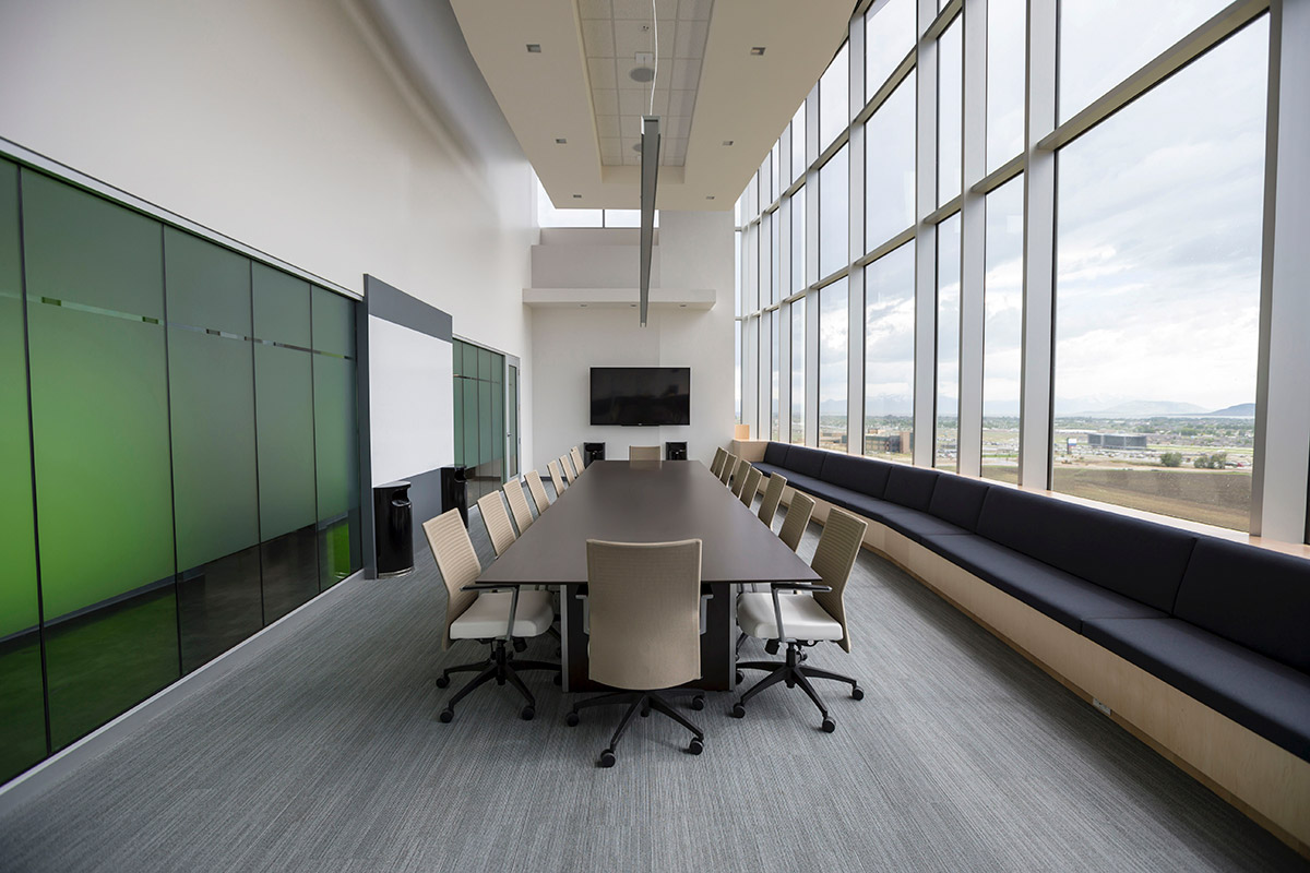 湖南浩安公装公司装修设计资讯知识办公装修照明设计艺术性与情景照明的运用