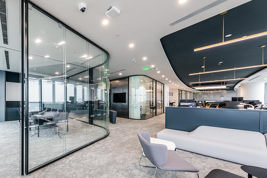 湖南浩安公装公司装修设计资讯知识湖南厂房办公楼低辐射镀膜玻璃装饰材料的在实际中的应用