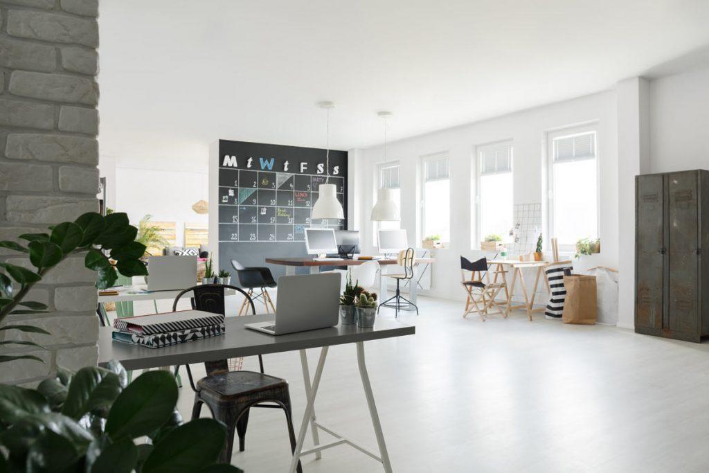 湖南浩安公装公司装修设计资讯知识长沙办公室装修设计铺地毯有什么好处?