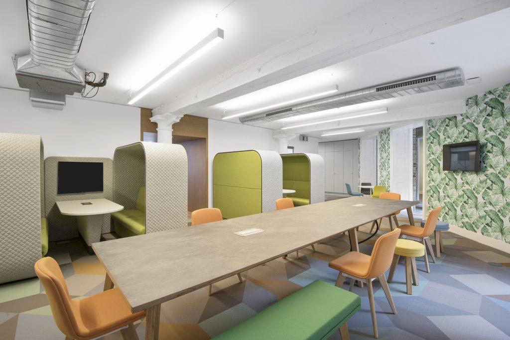 岳阳办公室装修环保全面化绿色设计效果图